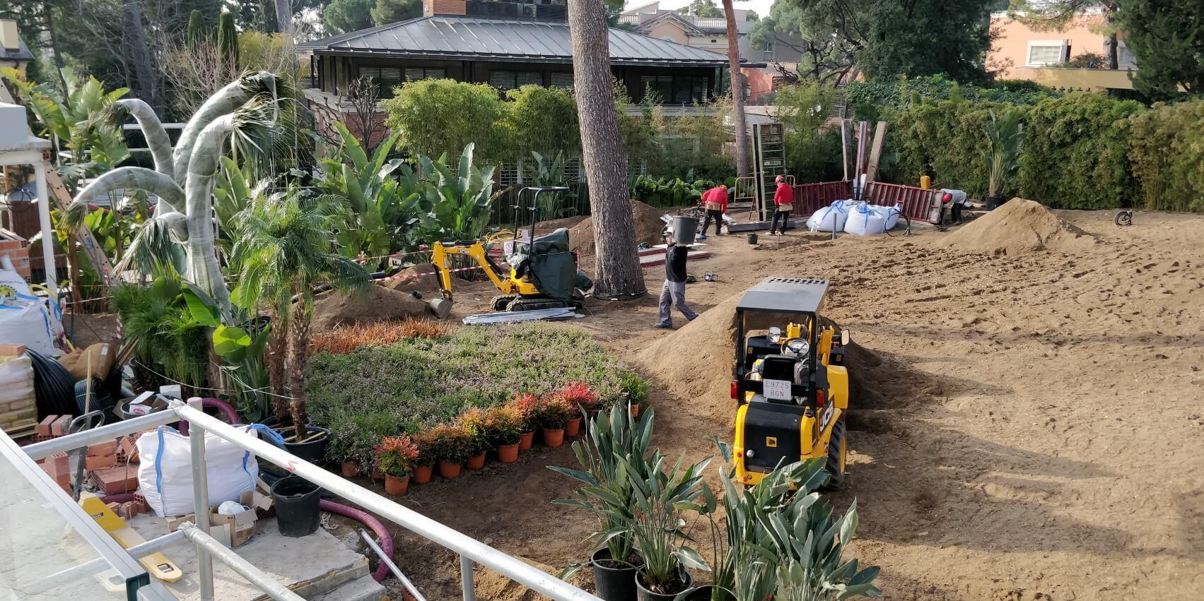 construcción jardín privado